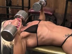 Female Bodybuilder Nathalie Looks Amazing Online