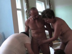mature-ladies-having-a-sexparty