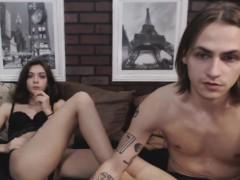 Русские брат и сестра снимают секс на стриме