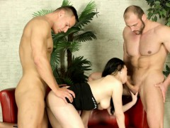 babe rides in threesome – Free Porn Video