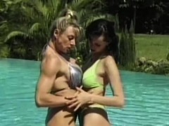 muscles-lezzies-outdoor