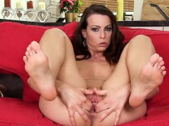 wicked-czech-sweetie-spreads-her-spread-vagina-to-the-strang