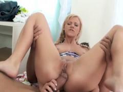 slut anal and creampie