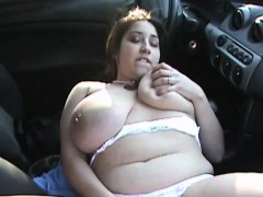 BBW with huge hanging boobs outdoor fingering in car