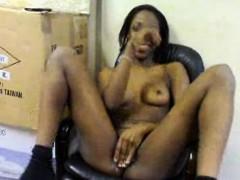 bare-black-girl-masturbates-in-seat