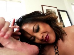 Asian babe sucking balls