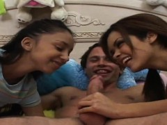 threesome-sluts-get-throatfucked-face-fucked-and-faciliazed