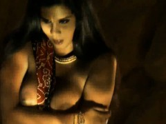 erotic-indian-girlfriend-from-bollywood