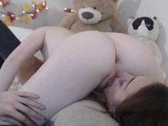 lesbians-eats-each-other-pussy-in-69-position