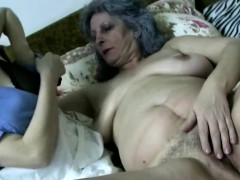 granny-and-nurse-playing-with-pussies