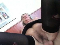 nasty-mature-loves-it-deep-and-hard-in-her-pussy