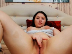 chubby-stopped-typing-only-to-get-a-pussy-massage