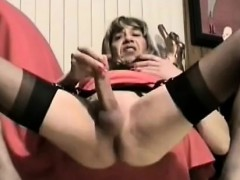 crossdresser-that-is-nice-is-warm-at-tights