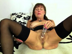 british-hairy-lady-playing-with-herself