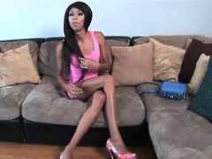 Flexible Slim Tgirl I Want In My Bed!