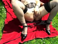 french-amat-passe-xxl-anal-invasion-fake-penis-outdoor