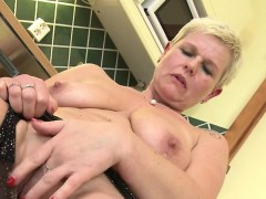 Nice Mature Cougar Squirting And M Vivien From 1fuckdatecom