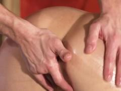 juicy-ass-naked-blonde-bangs-masseur
