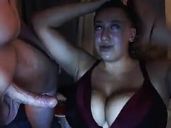 chubby bitch dick suckin '