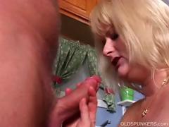 mature-pornstar-lizzy-liques-loves-to-fuck