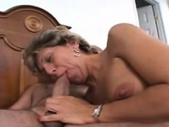 Shy Old Mature S Doing Her First P Nubia From Dates25com