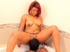 Pussy Eating Bathtub Lovin Thickred Bbc Stretch