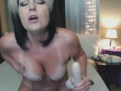 jizz-eating-and-heavy-squirting-mature