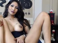 amazing-brunette-chick-masturbates-for-your-enjoyment