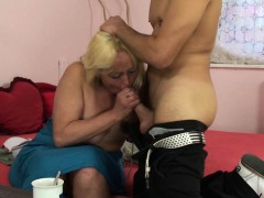 blonde-spreads-her-hairy-old-pussy-for-him
