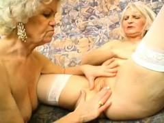 perfect-body-on-this-sexy-mature-blond-granny
