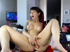 Sexy Redhead Camwhore Plays With Her Toy