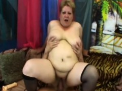 Fat Granny Venuse Riding Long Schlong On Couch