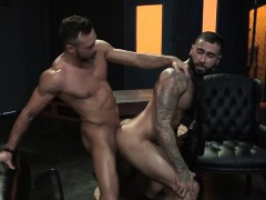 muscle-bear-anal-sex-with-cumshot