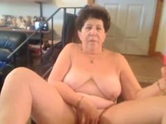omafotze chubby grandma amateur webcam showoff