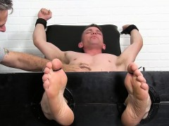 fit-guy-grayson-gets-his-armpits-and-feet-tickled-by