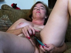 usawives-hairy-granny-pusssy-fucked-with-sex-toy