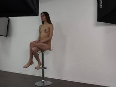 19-yo-mother-denisa-wants-to-be-a-model