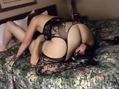 amateur-wife-in-hotel-cuckold
