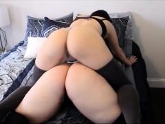amateur brunette webcam woman stripping WWW.ONSEXO.COM