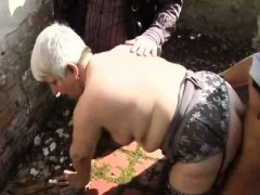 he-shared-his-wife-murielle-in-an-outdoor-gangbang