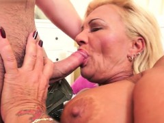 Hairy Pussy Pornstar Oral And Cum In Mouth