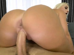 milf-rossella-visconti-screwed-have-a-great-fuck-session
