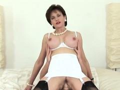 Unfaithful English Milf Lady Sonia Displays Her Big Tits22rh
