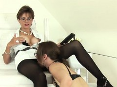 Unfaithful british mature lady sonia displays her heavy hoot