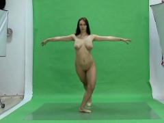massive boobs nicole on the green screen spreading WWW.ONSEXO.COM