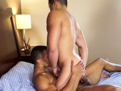 muscle-jock-anal-sex-with-creampie
