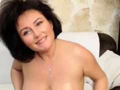 Excited Huge Natural Boobs Camslut Playing On Cam