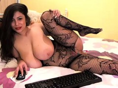 Cute Katieandandy Flashing Boobs On Live Webcam