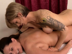 massage-shemale-gave-pleasure-to-a-mature-female-client
