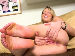zoey-monroe-foot-fetish-masturbation